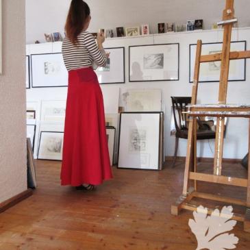 roter Maxirock - kontrastfarbene Passen Burda NR. 106-012016-DL