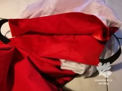 Rotes Kleid Schulterfrei mit hohen Schlitz