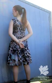 fashionstyle-5_2016-oneshoulder-kleid-3