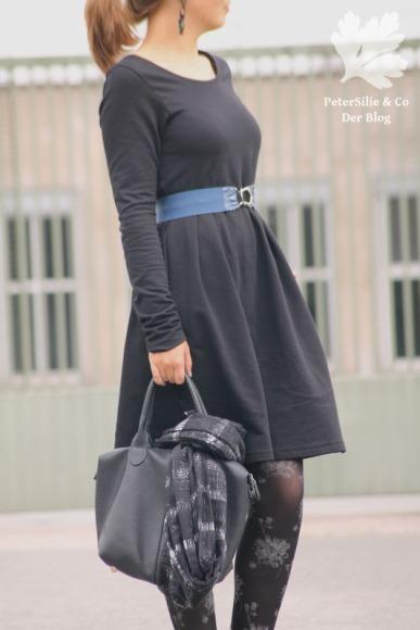 Nähkind Retroliebe nähen Kleid schwarzes Winterkleid