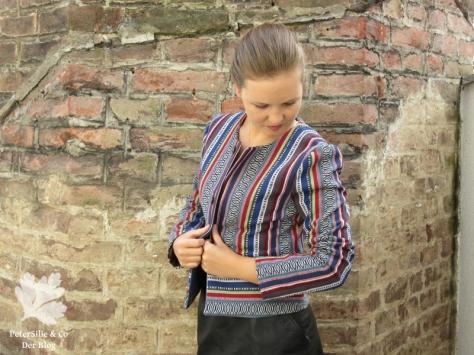 PeterSilieUndCo_AnnaFranziska_KarlottaPink_FashionStyle_Jacke_Nepalstoffe_7