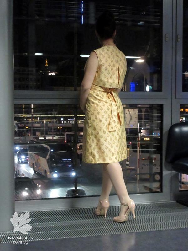 Goldenes Kleid 5k