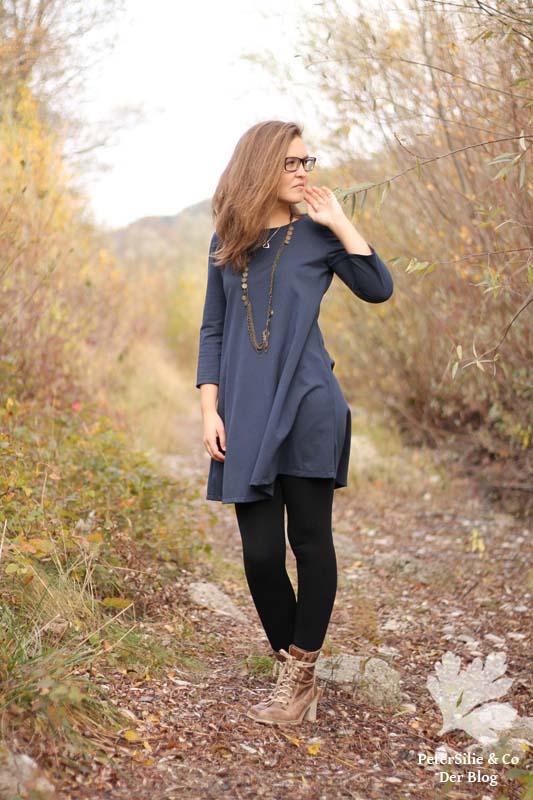 McCalls 7348 T-Shirtkleid Kleid nähen blau Polostoff