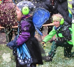 Fasnacht Luzern Kinder Konfetti