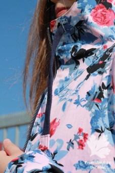 PeterSilieUndCo_JoyJacket_ChalkAndNotch_Spring_Floral_Blue_12