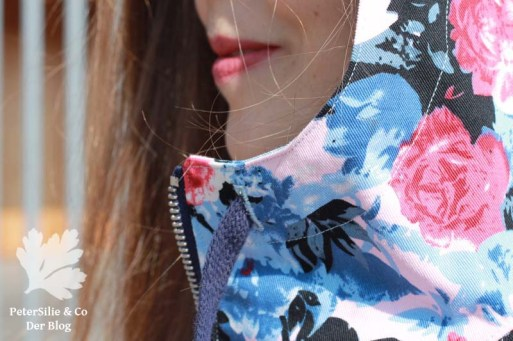 PeterSilieUndCo_JoyJacket_ChalkAndNotch_Spring_Floral_Blue_13