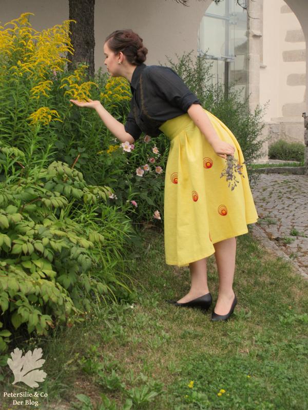Gelber Leinenrock mit Stickerei 3