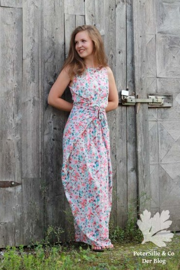 PeterSilieUndCo_KieloWrapDress_NamedClothing_floral_06