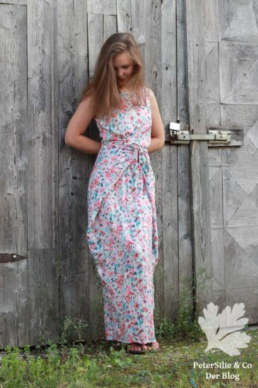 PeterSilieUndCo_KieloWrapDress_NamedClothing_floral_07