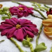 Bänder Stickerei Nadelbrief Blüten handgestickt Blog