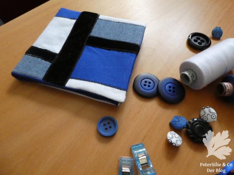 Blau Schwarz weiß3