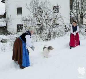 hochgeschlossen blaudruck lang Dirndl nähkurs mei Dirndl München selber nähen Blog Winterdirndl Erfahrungen