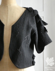 Upcycling Bolero Stickerei vorne