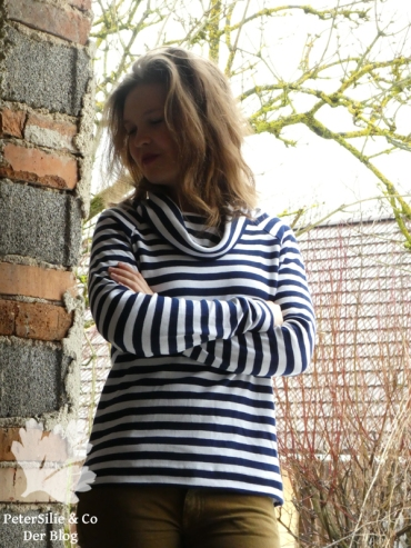PeterSilieUndCo_Linden_Sweatshirt_Rollkragen_Collar_Hack_gestreift_striped (11)