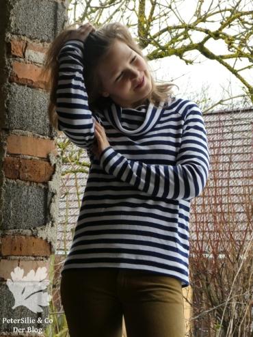 PeterSilieUndCo_Linden_Sweatshirt_Rollkragen_Collar_Hack_gestreift_striped (14)