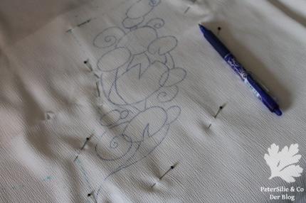 Seeerosenblätter Perlen Pailletten Paillettenperlenfrickelalong PeterSilie&Co Sticken Diy Hangestickt Stickerei Organza Perlen Filz Tutorial bestickte Bluse Vintage