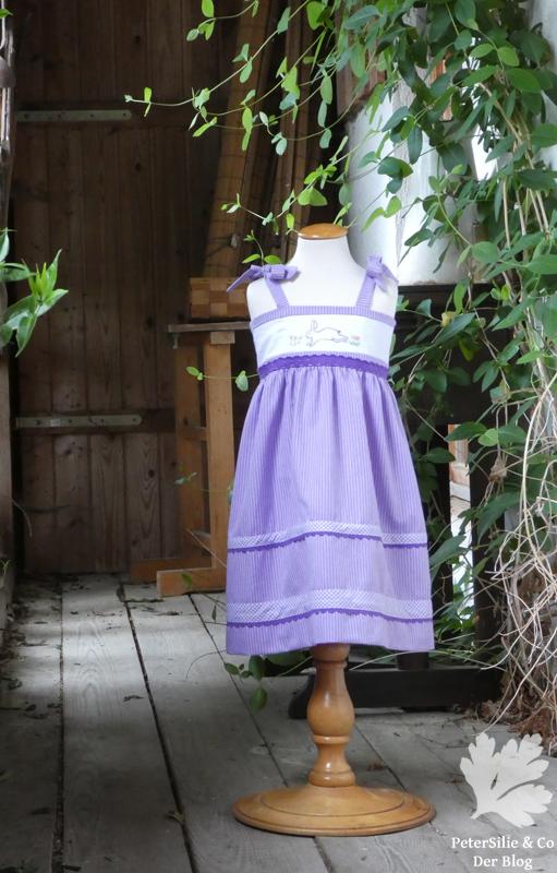 Fliederfarbenes Kinderkleid Upcycling Dirndl coBranda